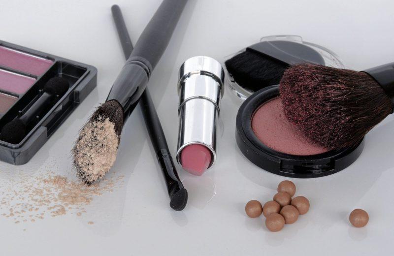 Bekannt Make-Up-Pinsel reinigen: So machen Sie es richtig! SM89